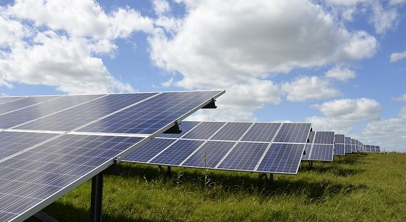 Diferencias entre energía solar, eólica ehidráulica